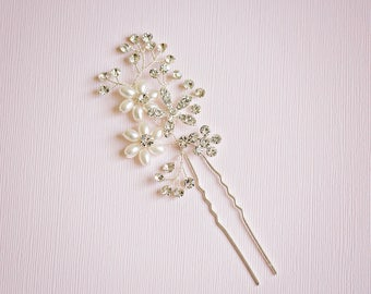Bridal hair pin, Floral hair pin, Rhinestone hair pin, Silver hair vine, Bridesmaids hair, Flower hair pin, Silver hair pin