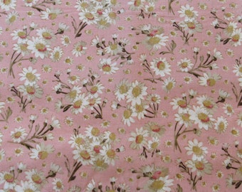 Tea Time Marguerite, Holly Holderman, Lake House Dry Goods #LH08030, White Daisy on pink ground, Quilt Fabric 100% Cotton