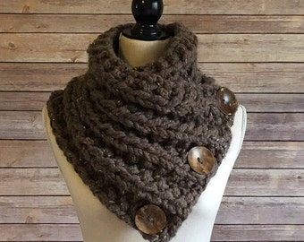 Chunky Hand Knit Cowl with Buttons, Hand Knit Neck Warmer with Buttons, Chunky Knit Cowl, Chunky Knit Scarf