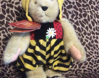 Muffy VanderBear Honey Bee Taste of Honey Bee Keeping Collection Original Outfit