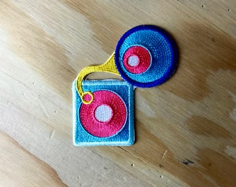 TURNTABLE PATCH: Hand Embroidered Vintage Phonograph Patch - Vinyl Records Patch | Turntable Patch | DJ Patch | Victrola- Great Gift!