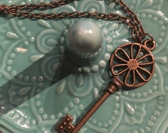 Daisys Key Necklace