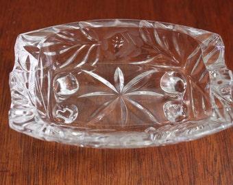 Cendrier vintage en verre taillé//vide-poches//coupelle à bijoux