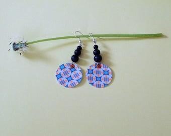 Loop ear fabric and beads wood