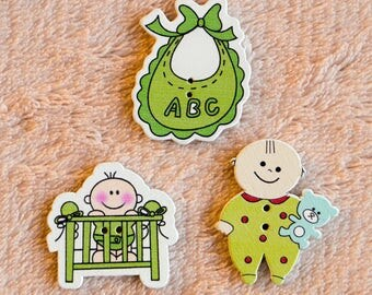 3 piece wooden buttons, buttons for kids. Teddy bear, baby in the playpen, baby bibs