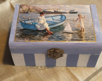 Box with barca in blue