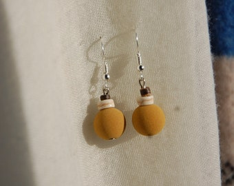 White turquoise, coconut wood and velvet earrings