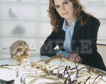 Emily Deschanel signed 8x10 Autograph RP - Great Gift Idea! - Ready to Frame photo picture!!