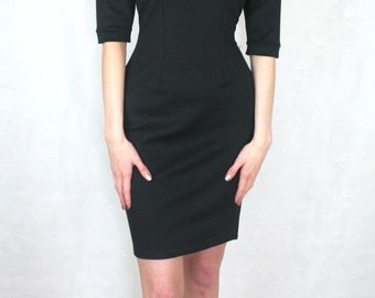 Bodycon dress with keyhole neck
