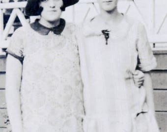 vintage photo Cute Flapper Pre Teen Girls Affectionate best friends
