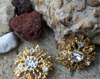 Fantastic Vintage earrings big gaudy gold rhinestone chic clip on earrings jewelry