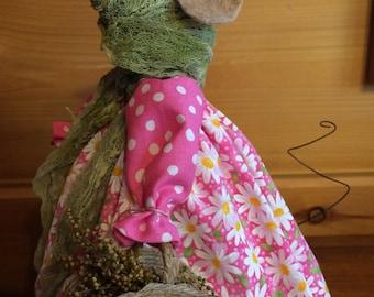 Mouse primitive rustic Mrs. Thistleborn daisy cupboard tuck shelf sitter cabin decor OOAK by Starry Nites Farm TeamHAHA Hafair ofg nooga