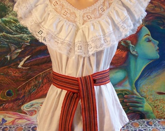 Mexican Blouse, White Lace Blouse, Mexican lace blouse, white Mexican Top, Frida Kahlo, size S