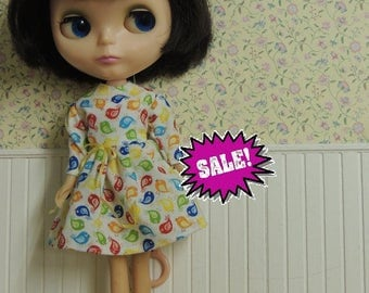 SALE Pretty Dress for Blythe with tiny bird print, long sleeves and a tiny yellow bow