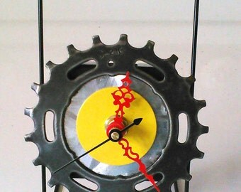 Recycled Bicycle Sprocket & Spoke Desk Clock - Yellow with Red Hands