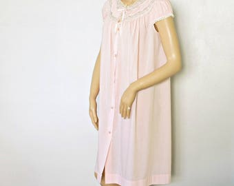 1960's Cotton Pink Lacy Yoked Robe Summer Lightweight Short Nightie Pastel Pink Size Small