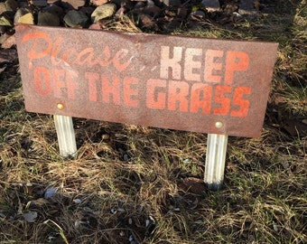 Vintage Keep Off the Grass Rusty Shabby Vintage Sign
