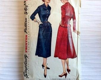 Vintage 1950 2 piece suit sewing pattern.   Simplicity.   Misses Size 16.   Bust size 34.  No 8489.