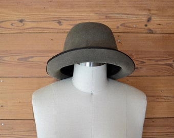 1940s fein haar olive green bowler hat / womens tall minimalist hat