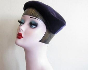 Vintage 1950s Midnight Blue Velvet Sculpted Hat / 50s Dark Blue Velvet Cocktail