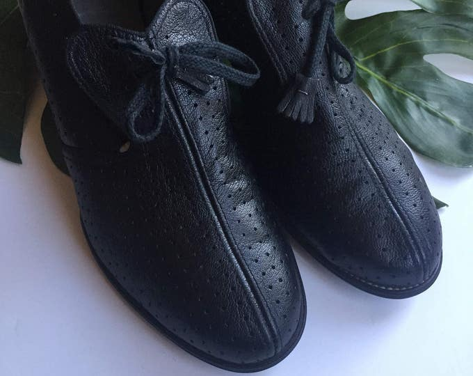 9 black leather mid century 50s 60s NEOLITE hand flexed rounded toe preppy union vintage retro womens shoes pumps oxfords tie shoes