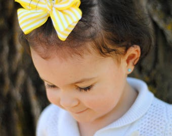 Yellow and white striped Hair bow, large hair bow, yellow hair bow, Spring hair bow, Easter hair bow, Striped hair bow, big hair clip