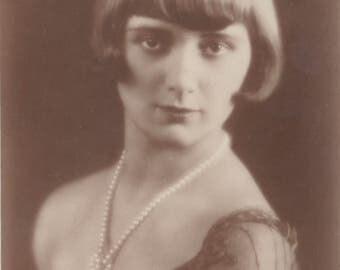Semi-Nude Weimar Era German Dancer, Carla Steffens, circa 1928 by Brothers Garloff, Magdeburg.