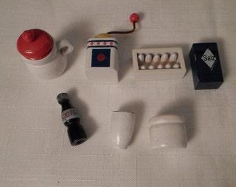 DOLLHOUSE KITCHEN / Pottery Barn ? / Coffee Grinder / Salt / Eggs / Soda / Vase / Canisters / Barbie Doll / Retro / Diorama / Shadowbox Lot