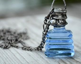 Perfume Necklace, Blue Glass Bottle Stopper, Women's Jewelry, Antique Bottle, Vintage Glass, Perfume Bottle Stopper, Vintage Bottle (2762)
