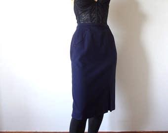 1950s Pencil Skirt vintage navy blue wool wiggle skirt with arrow detail - designer vintage