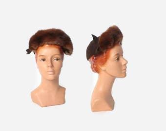Vintage 40s TOPPER HAT / 1940s Dark Brown Felt Sculpted Bows Fur Trim Hat