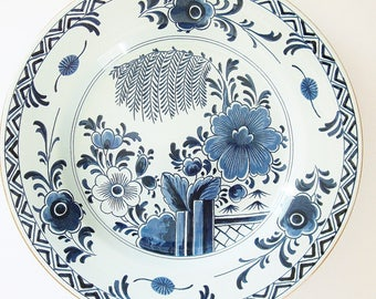 Chinoiserie OUD Delft Plate Williamsburg Restoration Chiswell - Bucktrout House Blue White Historical Collectible China Made In Holland