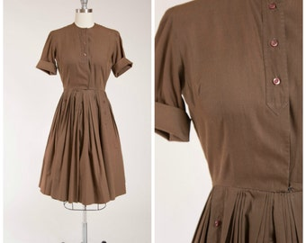 Vintage 1950s Dress • Mocha Date • Chocolate Brown Cotton 50s Day Dress Full Skirt Size Small