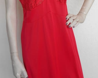 Vintage Full Slip Aristocraft by Superior Size 36 Red Lace and beads