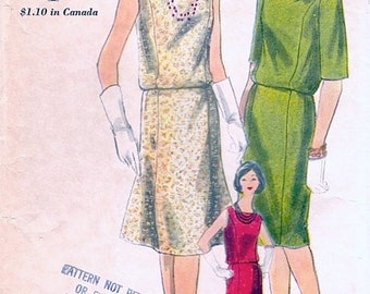 Chic Vintage 1960s Vogue 5303 Two Piece Blouson Dress, Sleeveless Blouse and Slim or Flared Skirt Sewing Pattern B31 W24