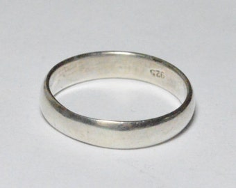 SALE Vintage Sterling Silver Simple Plain Band Size 5.5