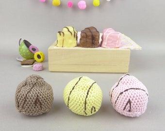 Crochet cake, cake handmade in crochet, crocheted sponge cake, set of 3 British cakes, cake play food, play pretend tea time, crochet food