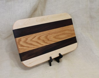 Hardwood Cutting Board or Carving Board Made of Maple, Walnut and Oak