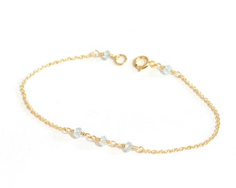 Tiny Aquamarine gold bracelet, Delicate gold bracelet, Aquamarine bracelet, Minimalist, March Birthstone Jewelry, Blue stone jewelry