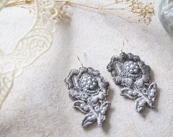 Lace Earrings in Gray Silver Flowers with Pearls