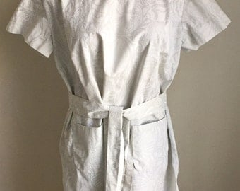 Vintage 1960s Key West Fabrics White and Grey Shell Print Dress 12 14