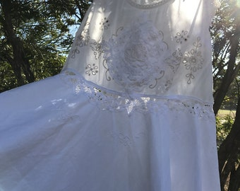 Izzy Roo  Charming White Lace Heirloom Cami Dress Vintage Details Battenburg Beauty Size Small