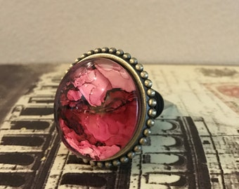 Wine Stopper - Pink With Gold Beaded Trim Wine Stopper