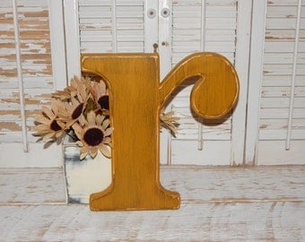 Distressed Wooden Letter Lowercase r Wall Decor / Wedding Decor Lowercase Wood Letters