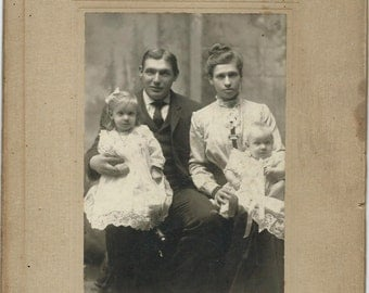 Antique Cabinet Card Photo Beautiful Young Family 1906