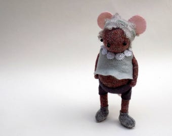 Woollen Mouse  -  Handmade plush mouse wearing grey felt pants and felt smock with daisy collar.