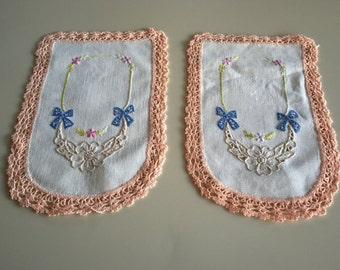 Vintage 30s Hand Embroidered Floral Doily Set