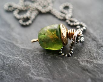 Basha bead necklace - peridot green, minimalist mixed metal jewelry, lampwork necklace, anniversary gift, gift for her by mollymoojewels