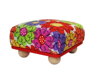 "Extra Large/Jumbo 6"" x 6"" Pincushion with Feet"