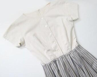 60s Dress / Vintage 1960s Sundress / Simple Cotton Dress / Stripe Dress / Button Chest / Spring Easter Dress Small